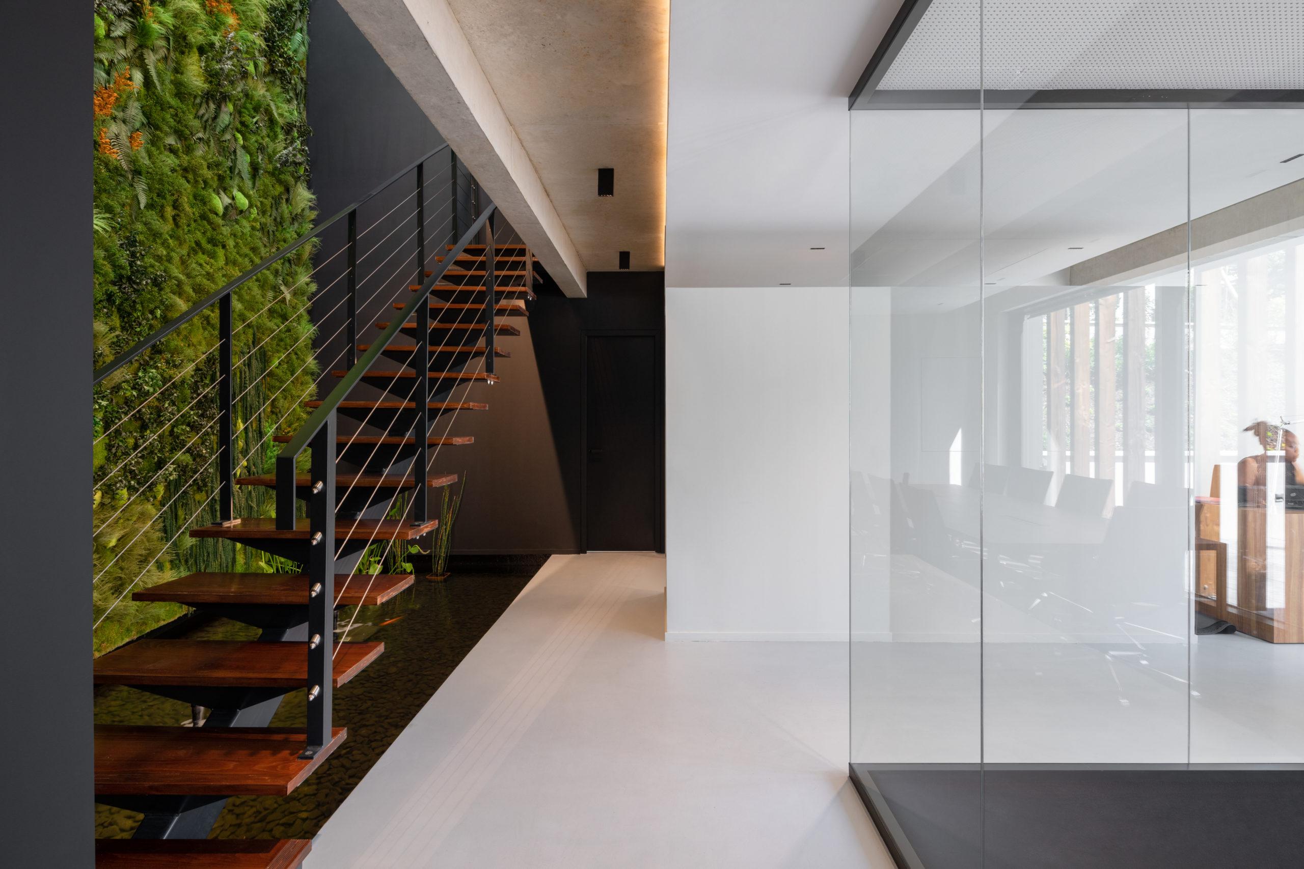 https://www.floordesign-resine.com/w2020/wp-content/uploads/2021/08/FLOORDESIGN-béton-ciré-103-scaled.jpg